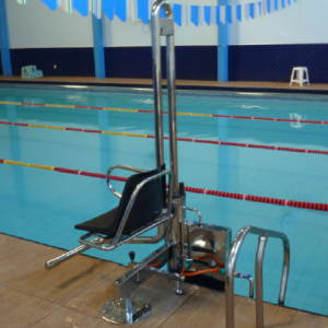 Elevador hidráulico com plataforma
